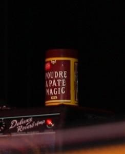 Magic Powder shaker