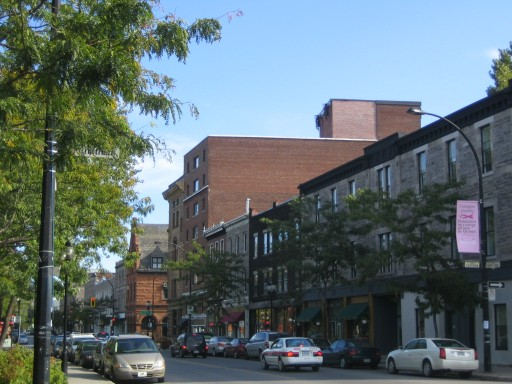 Rue_Notre-Dame_Ouest_(Montreal)_22-09-2006