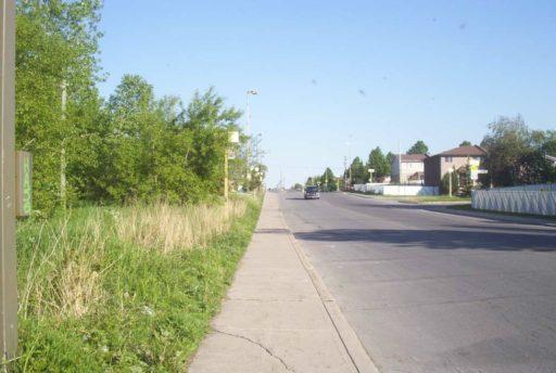 Suburban Rivière-des-Prairies by RavenStormQC via Wikimedia Commons